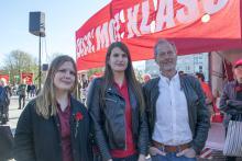 Röd Fronts tre talare: Nadja Lundberg, RKU, Minela Mahmutovic, Rättvisepartiet Socialisterna och Ulf Nilsson, Kommunistiska Partiet